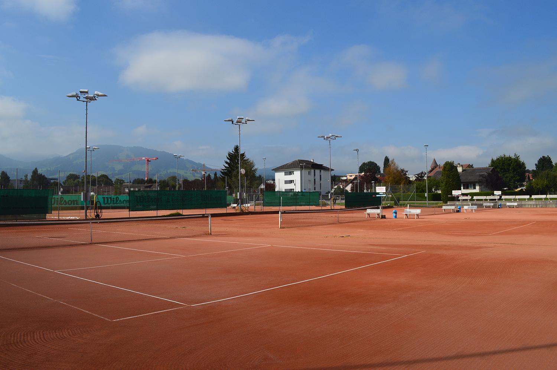 Tennis ext rieur centre de tennis bulle for Eclairage court de tennis exterieur